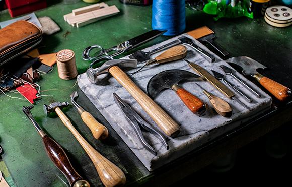 万双の職人の道具
